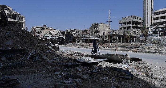 叙利亚军方在杜迈尔镇的武装分子武器库中发现美制导弹