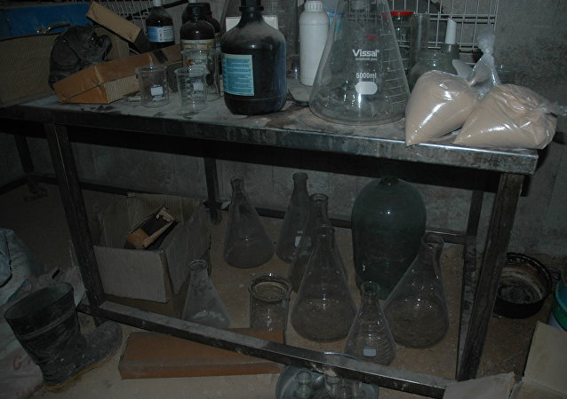 在叙利亚杜马镇发现了武装分子生产化武的工厂