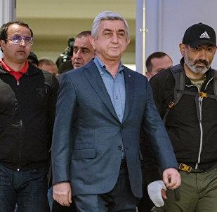 亞美尼亞政府與反對派談判破裂 總理薩爾基相離席
