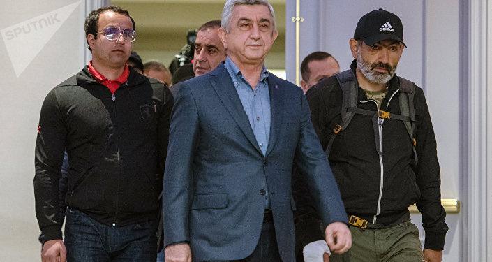 亚美尼亚政府与反对派谈判破裂 总理萨尔基相离席