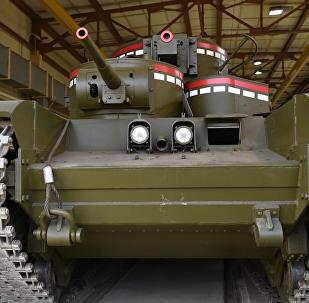 乌拉尔修复师复建T-35坦克