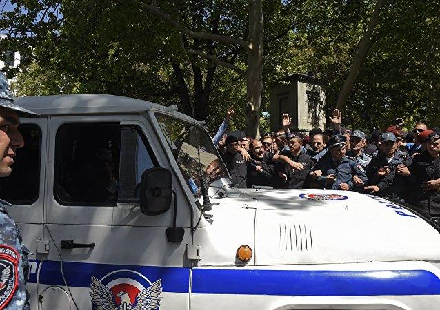 克宫期望亚美尼亚局势将在宪法框架内得到调解
