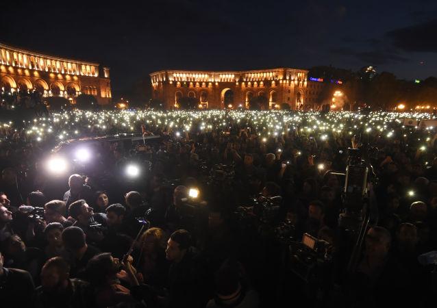 美驻亚美尼亚大使:美认为街头推选亚总理候选人并非民主之举