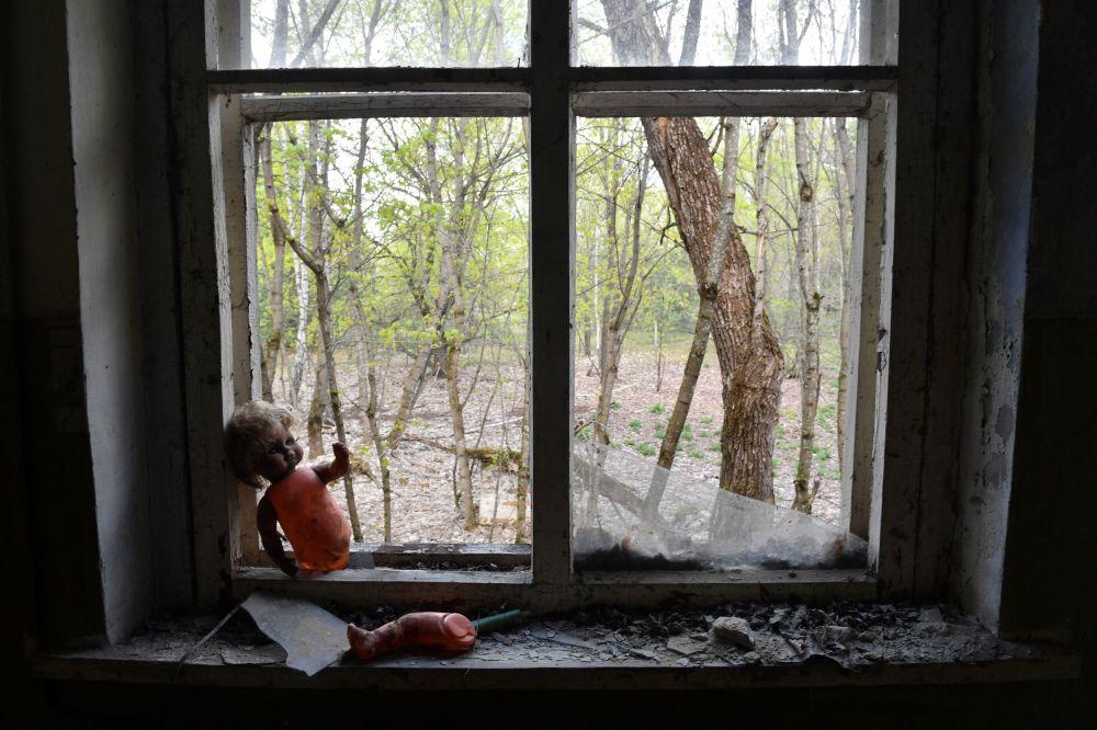 在切尔诺贝利核电站的旁的科帕奇村内的一所废弃的幼儿园
