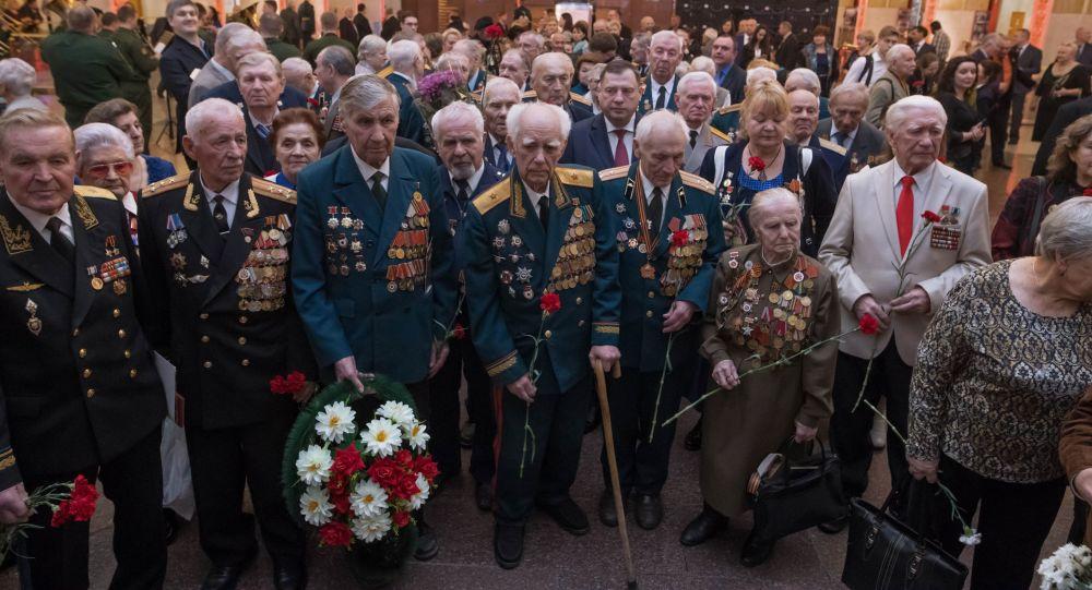 """""""俄罗斯邮政""""将向伟大卫国战争老战士邮递俄总统贺信"""