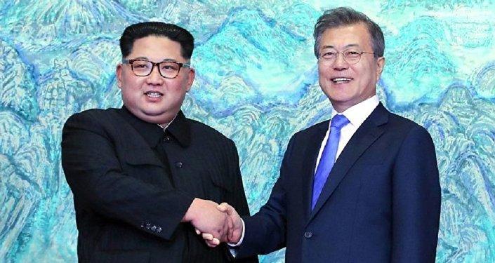 Главы КНДР и Южной Кореи на встрече