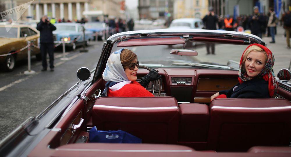 社会学家:仅5%俄罗斯人愿意弃用私家车