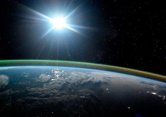 国际研究小组在距地最远星系发现氧元素