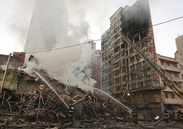 巴西圣保罗市火灾导致一座高楼坍塌 (2018年5月1日)
