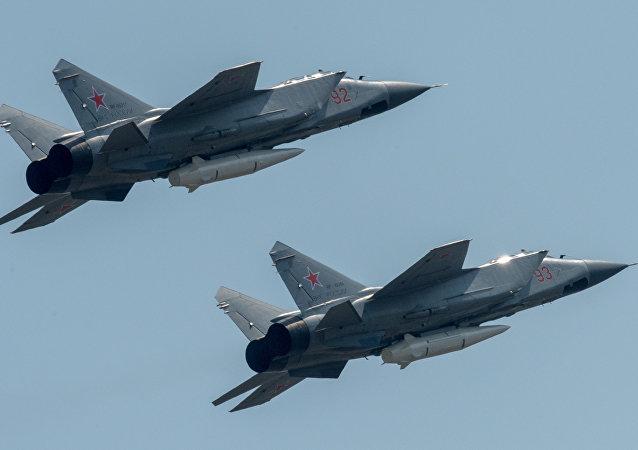 匕首高超声速导弹的截击机米格-31K