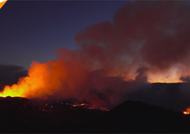 印度洋活火山喷发的壮观场面