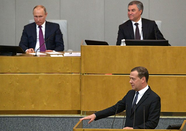 俄国家杜马多数票赞成批准梅德韦杰夫的总理候选人提名
