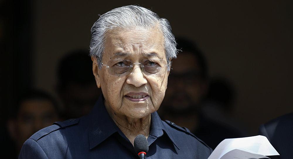 """马来西亚不会从丝绸之路上""""脱轨"""""""