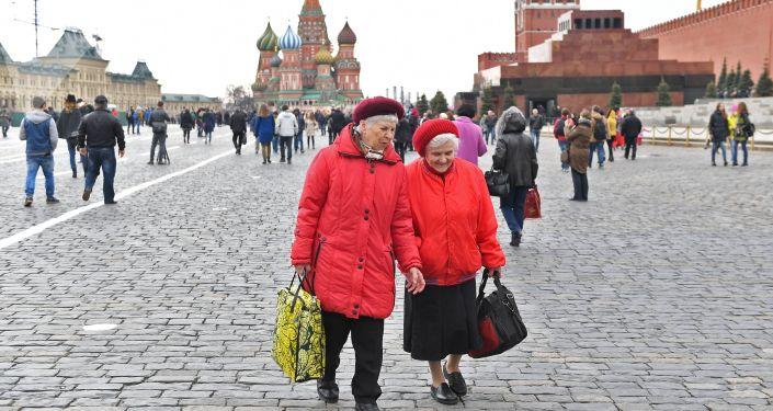 俄拟将男女退休年龄分别延迟至65岁和63岁