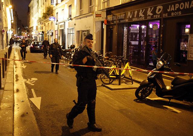 法國特工部門不瞭解在巴黎襲擊行人的男子