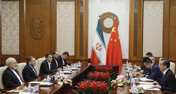 中国外长:中国将继续维护伊朗核协议