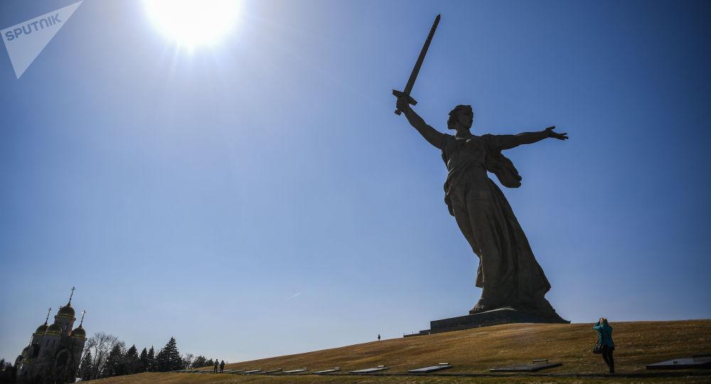 """恐怖分子策划在俄伏尔加格勒炸毁""""祖国母亲在召唤""""雕像"""