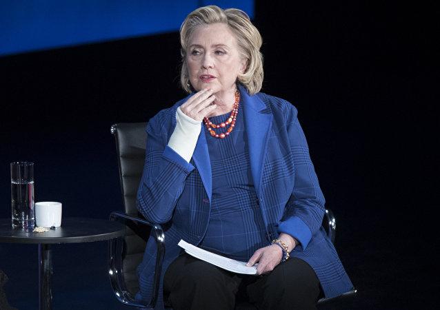 特朗普敦促联邦调查局和司法部调查希拉里服务器遭入侵事件