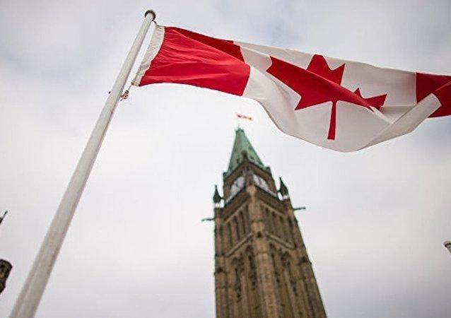 加拿大地產經紀因女兒網上炫富被解雇