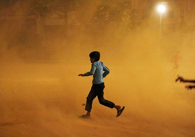 印度沙尘暴和雷暴一个月来致278人死亡