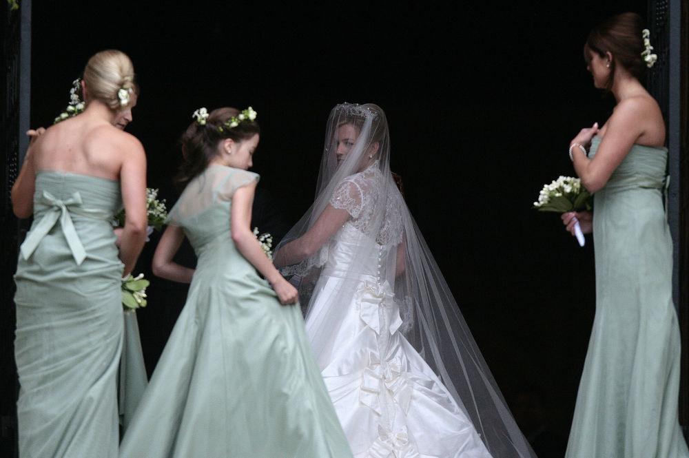 伊丽莎白二世长孙彼得·菲利普斯的新娘