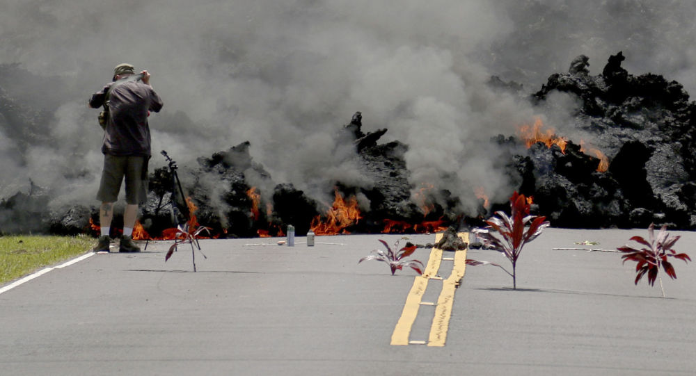 特朗普下令对遭火山喷发侵袭的夏威夷州提供联邦援助