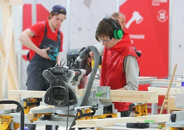 俄羅斯專家幫助中國舉辦WorldSkills標準的示範比賽