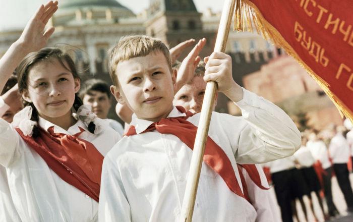 莫斯科紅場舉行盛大的少先隊員入隊儀式