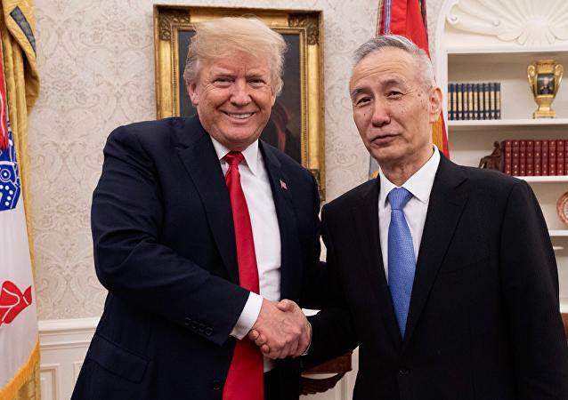 美国总统唐纳德·特朗普与中国国务院副总理刘鹤