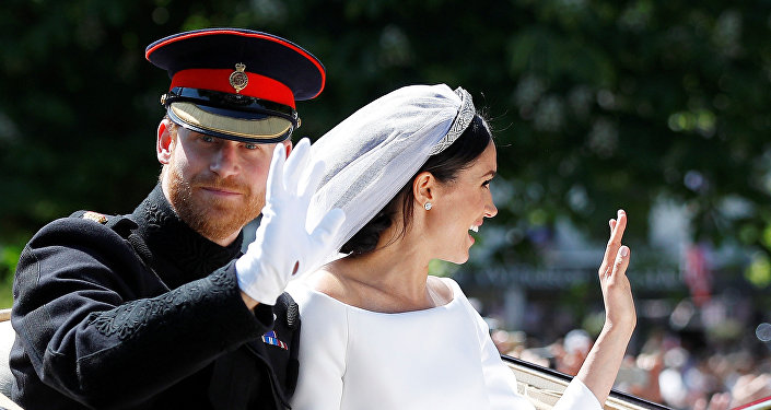 薩塞克斯公爵伉儷婚禮圓滿結束兩人離開溫莎堡教堂