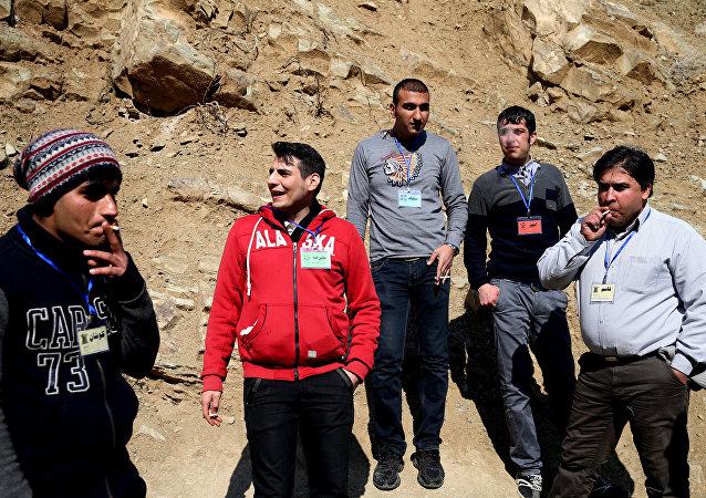 警方在伊朗东南部收缴2.7吨毒品