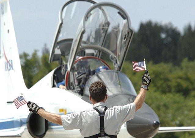美國空軍:一架教練機在密西西比州失事 飛行員跳傘生還