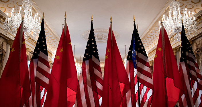 美国为遏制中国准备搬起石头砸自己的脚