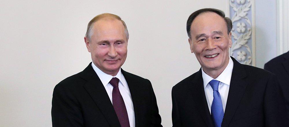 普京:俄中兩國合作達到前所未有的高度