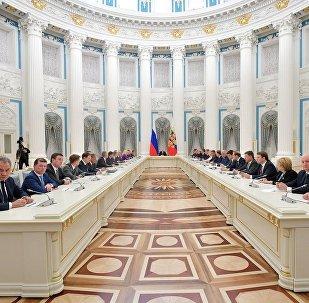 普京:俄新政府要解決複雜問題樹立新目標