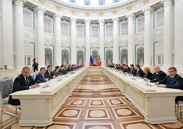 普京:俄政府实际上没有休息日