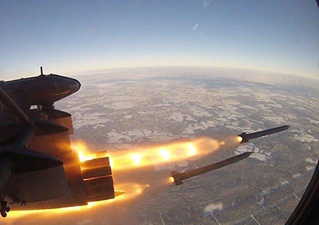 """最新型的S-8OFP""""穿甲枪手""""航空火箭弹"""