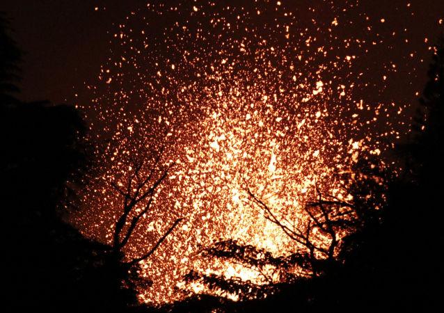 夏威夷基拉韦厄火山喷发