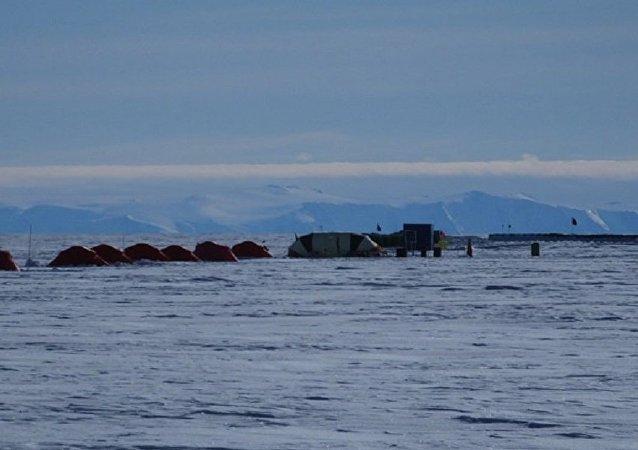 Лагерь экспедиции на Южном Полюсе