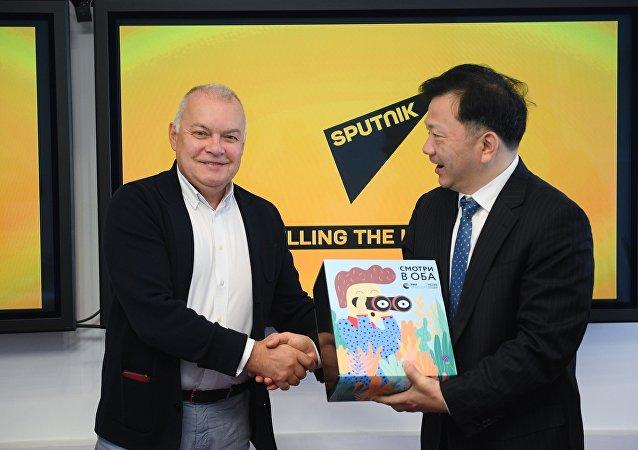 今日俄罗斯通讯社总经理与中国中央广播电视总台台长探讨扩大俄中媒体合作