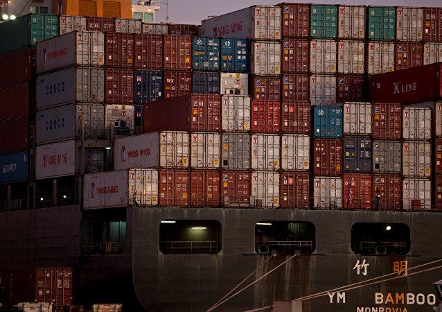 专家:不早于下半年集装箱运输费率将可降低