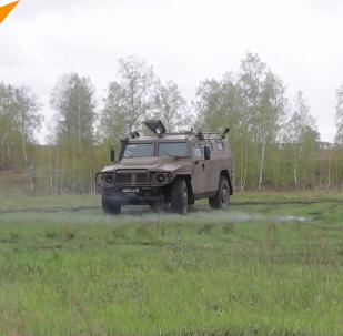 """俄使用最新""""台风-K""""装甲运兵车"""