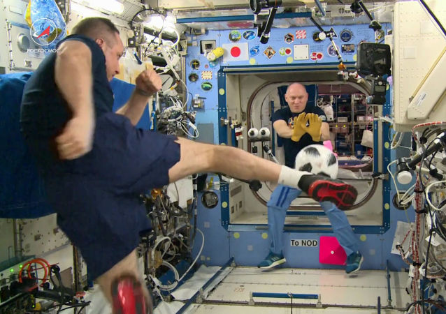 2018年世界杯比赛用球从太空带回地球