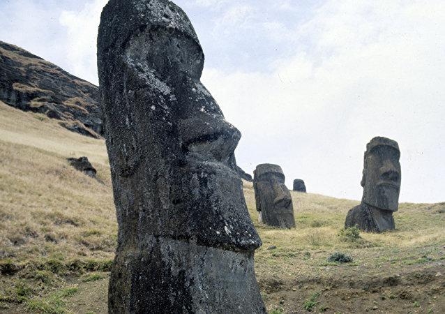 复活节岛上石像建造的秘密被揭开