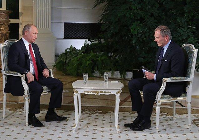 奥地利记者讲述其采访普京艰难的原因