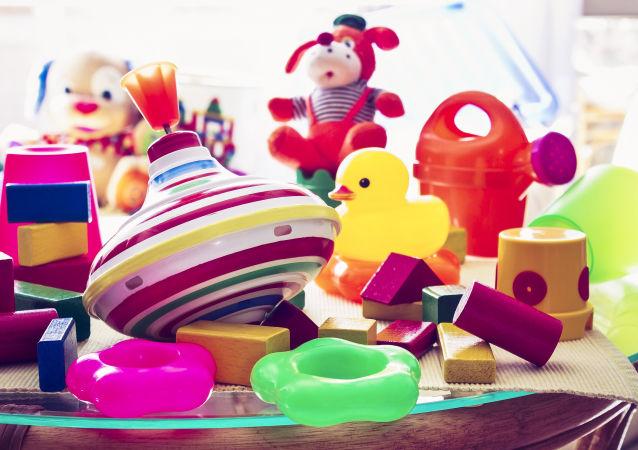 俄海关发现约7.4吨试图非法从中国运入俄境内的玩具和双轮平衡车