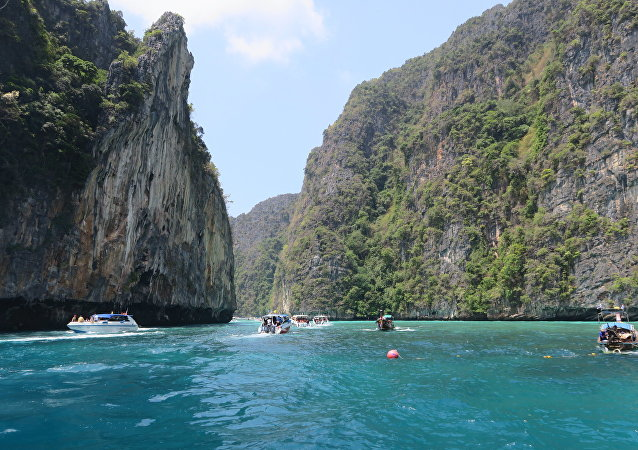 泰國著名的瑪雅海灘實行通行證制度