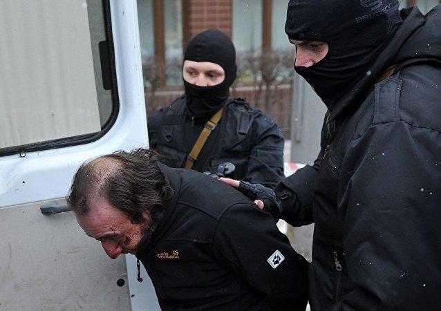 俄罗斯男子专心看球 家中被盗毫无察觉