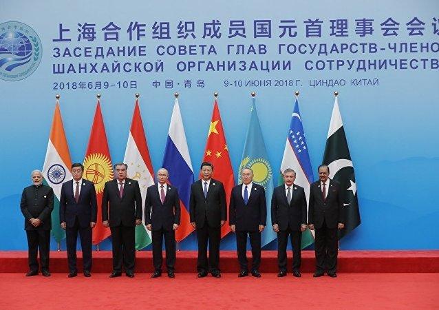 青島國際會議中心舉行的上海合作組織成員國領導人大範圍會談