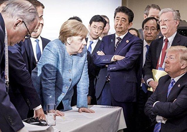 """特朗普评论了G7峰会上的""""糟糕照片"""""""
